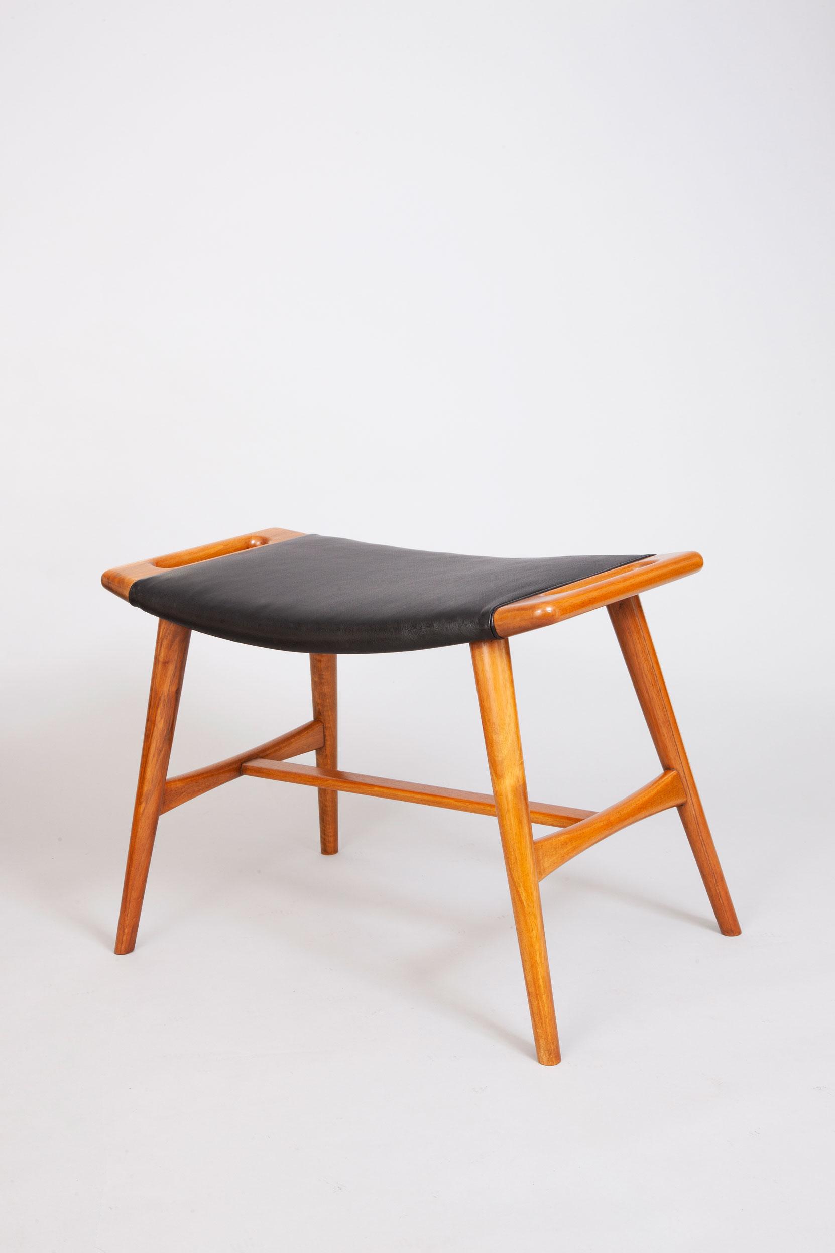 Hans-Wegner-piano-stool