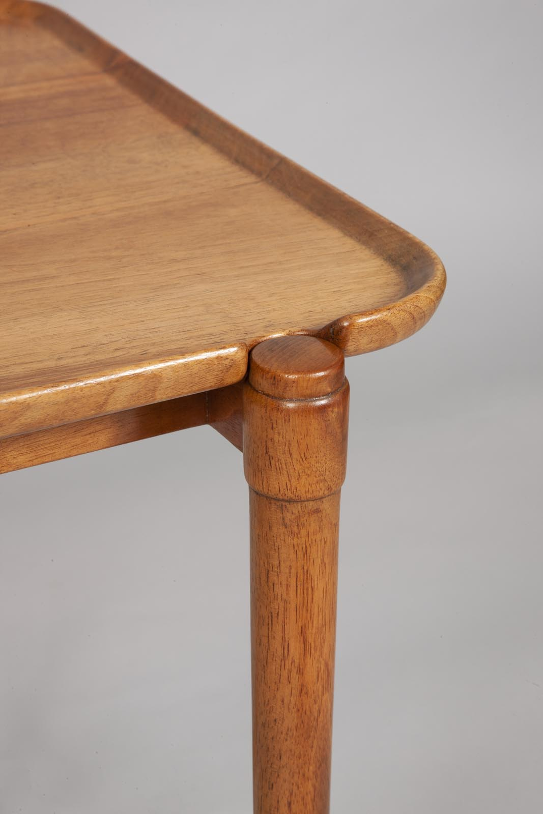 Peter Hvidt walnut tray table